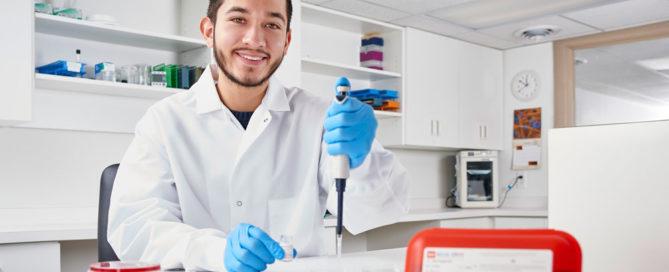 Workshoppara microbiólogos de la industria farmacéutica:  Buenas prácticas de análisis e identificación